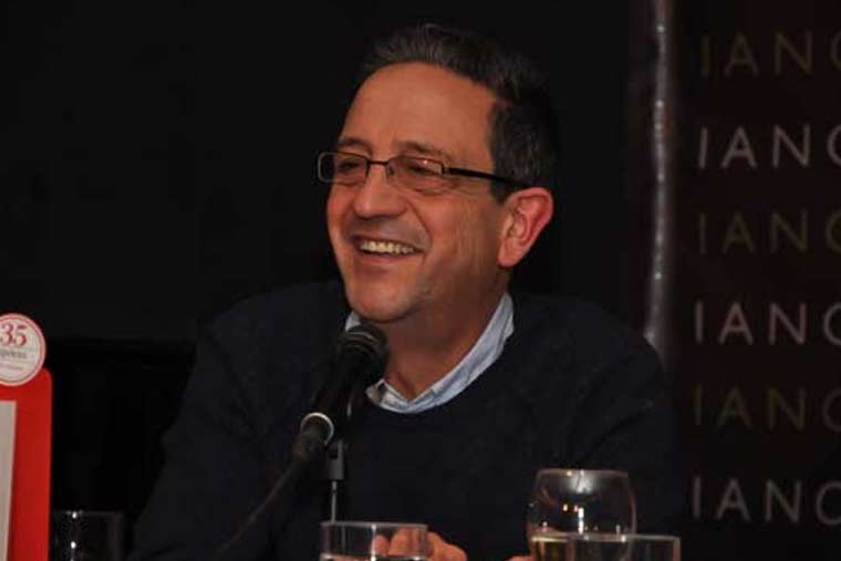 Ο Κώστας Στοφόρος, δημοσιογράφος-συγγραφέας, μιλάει στο Διονύση Λεϊμονή