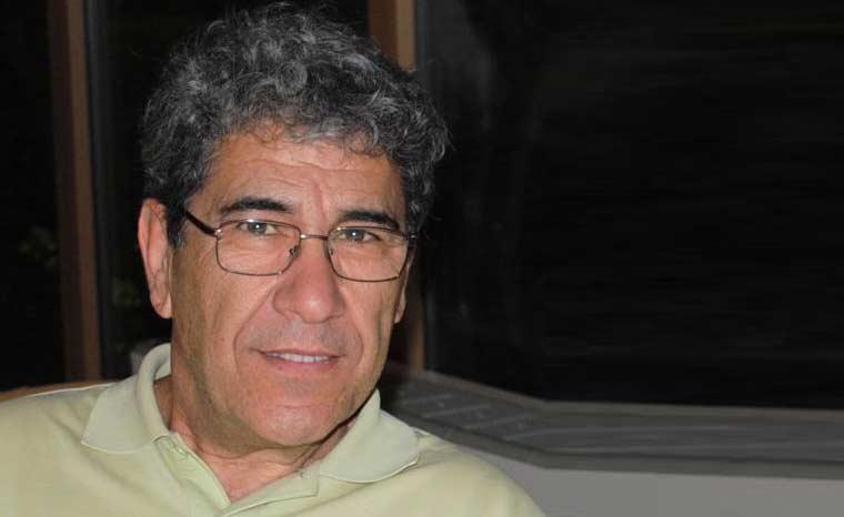 O Δημήτρης Βαρβαρήγος, συγγραφέας, μιλάει στο Διονύση Λεϊμονή