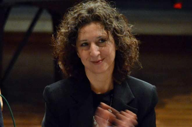 Η Μαίρη Ζαχαράκη είναι η φωνή τού Bookia από το Αίγιο
